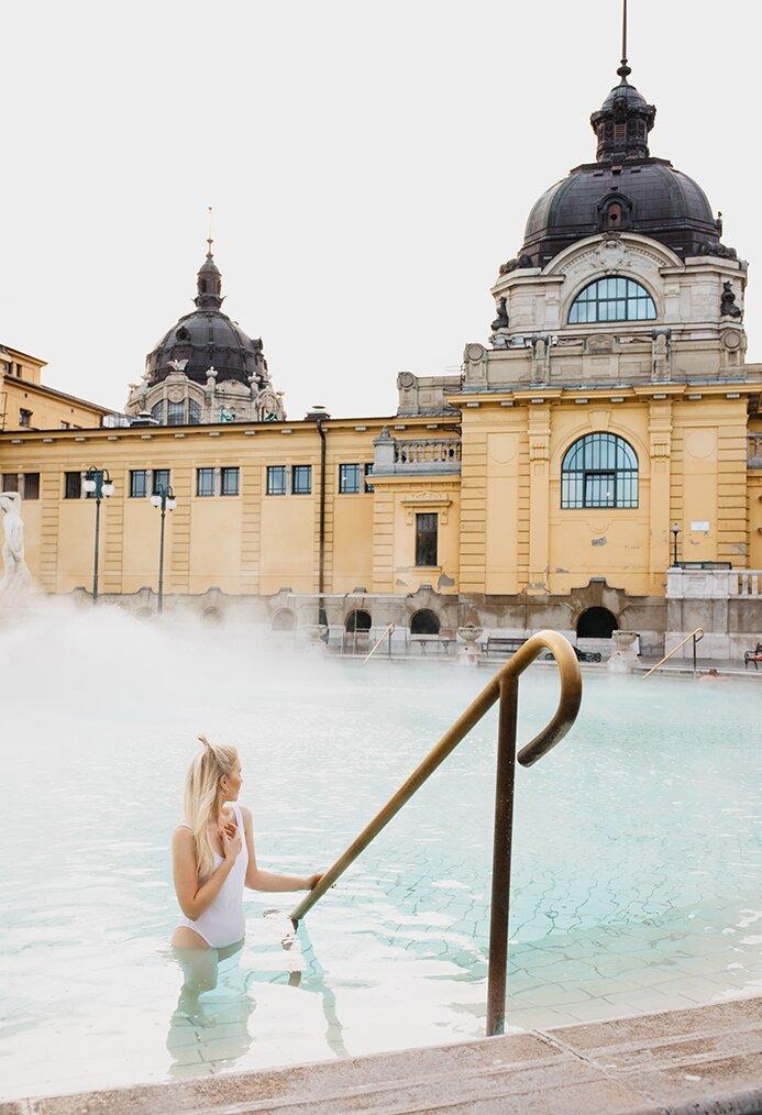 Baseny termalne w Budapeszcie | Wszystko, co powinieneś wiedzieć zanim odwiedzisz Széchenyi Thermal Baths oraz Gellért Baths and Spa