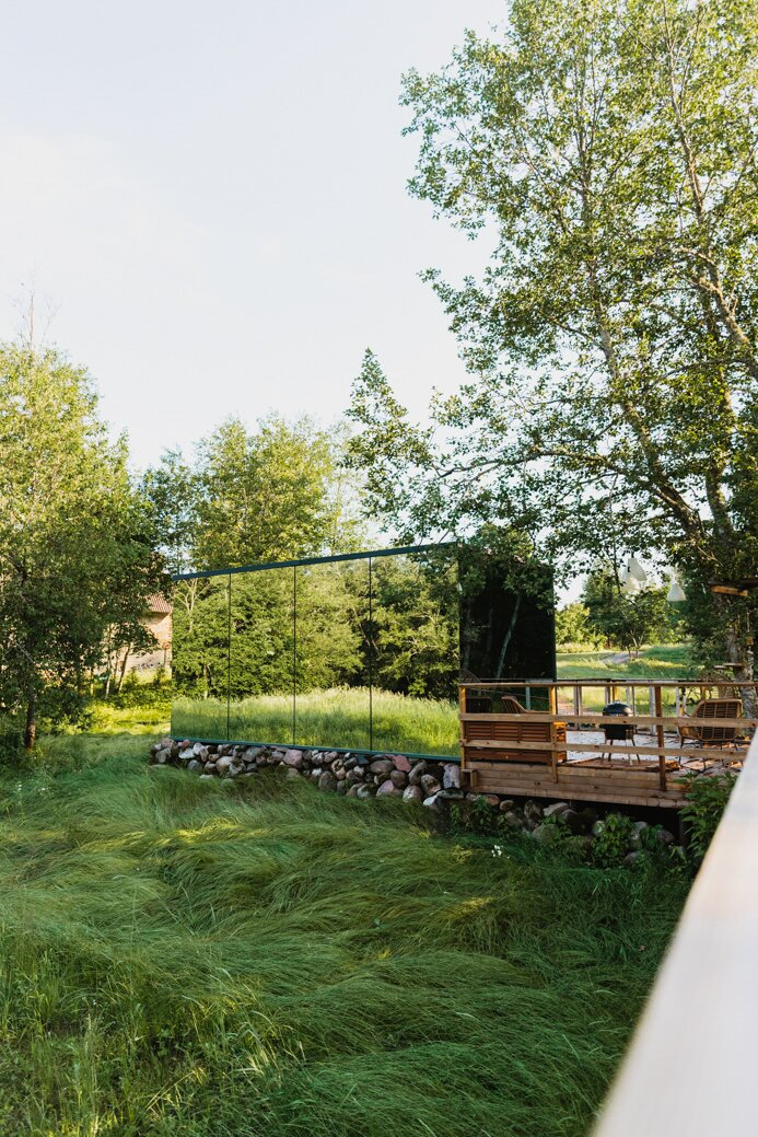 ÖÖD House, mirror house, lustrzany dom, estonia